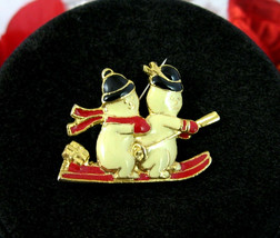 SKIING SNOWMEN Christmas PIN Vintage Brooch Two Snow Men Red Enamel Gold... - $12.99