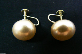 Vintage Japan Silver Tone Large White Pearl Faux Round Screw Clip Earrings - $20.55