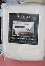 "New Sierra Home Collection Velvety Soft Twin Blanket~White super plush 60""x90"" - $16.83"