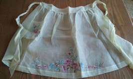 VINTAGE YELLOW ORGANDY APRON ~ HAND PAINTED FLORAL ~ SIGNED - $6.92
