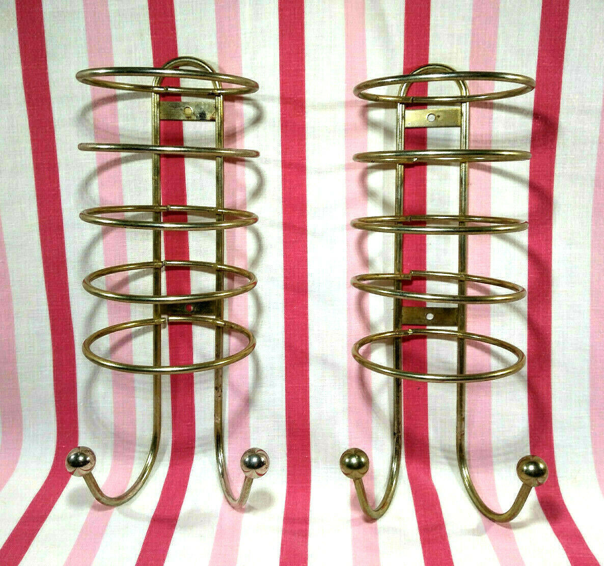 Primary image for FaB Retro Motel Stacking Washcloth/Towel 2pc Racks w/2 Ball Hooks Wall Mount