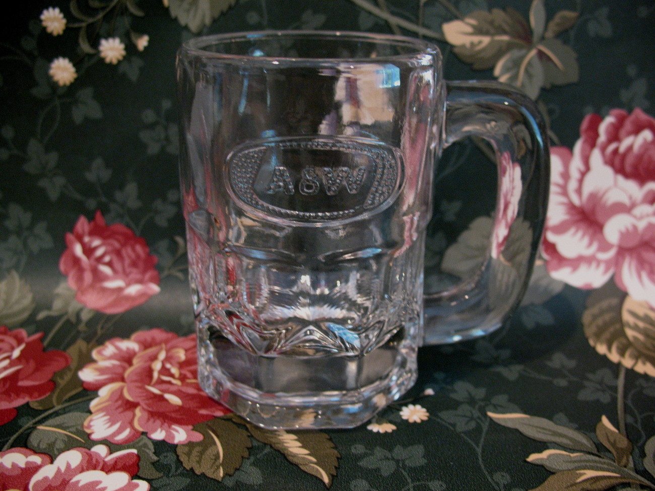 Vintage AW ROOT BEER MUG Rootbeer Embossed Logo CHILD CHILDREN Size