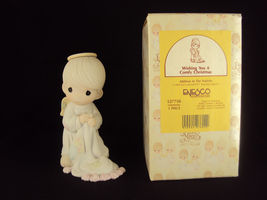 Precious Moments, 527750, Wishing You A Comfy Christmas, Issued 1992, Free Ship - $34.95