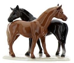 """Hagen-Renaker Specialties Ceramic Horse Figurine """"Best Friends"""" Grooming Horses image 1"""