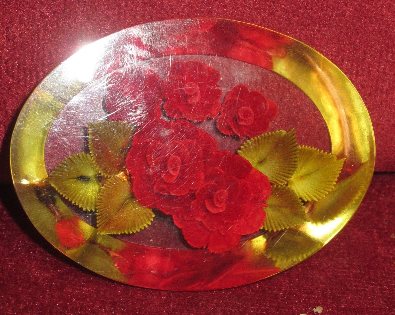 VINTAGE LUCITE BROOCH AND NECKLACE SET - ROSES SET IN LUCITE - VERY PRETTY