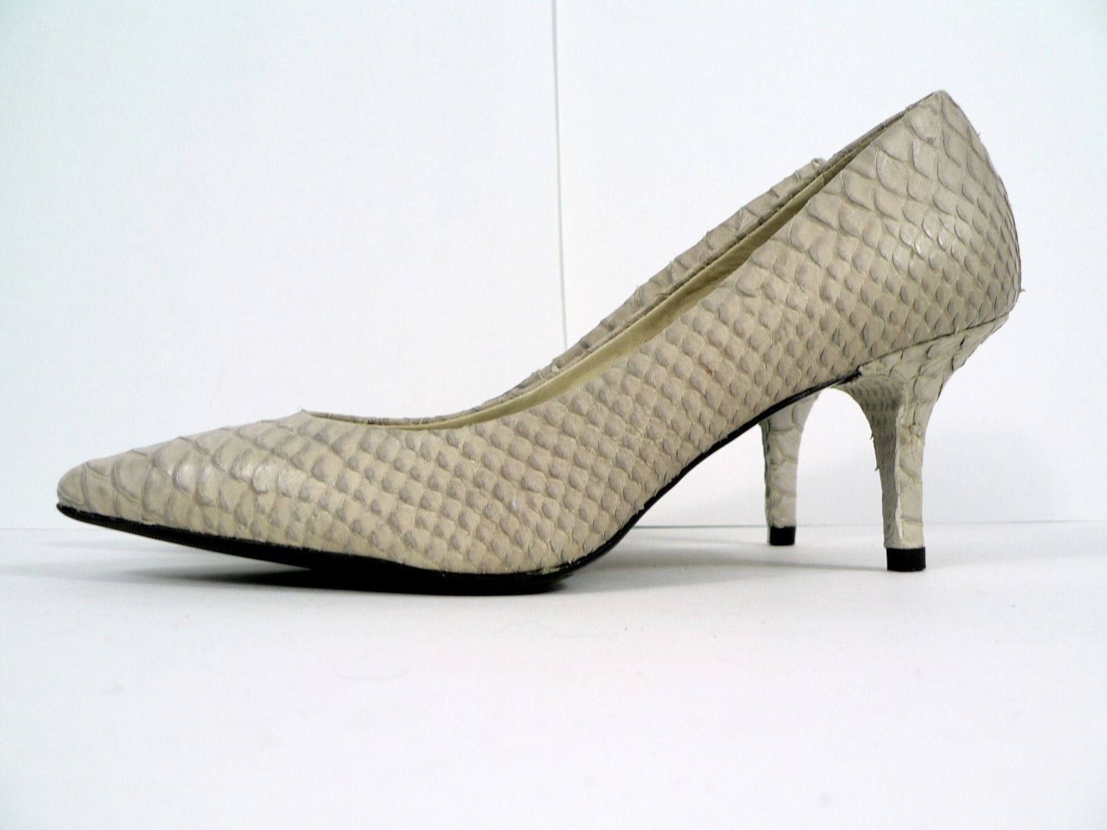 d98c8b6fbed Talbots Light Gray Leather Faux Snakeskin Pumps Womens Shoe 6AA Heels 2.75
