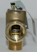 Watts 0121746 LF111L-125 1/2 1/2 Inch Lead Free Pressure Relief Valve image 2