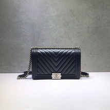 b0f3ccdf8866 Authentic New Chanel Black Chevron Quilted Calfskin New Medium Boy Flap Bag  Shw - $3,999.99