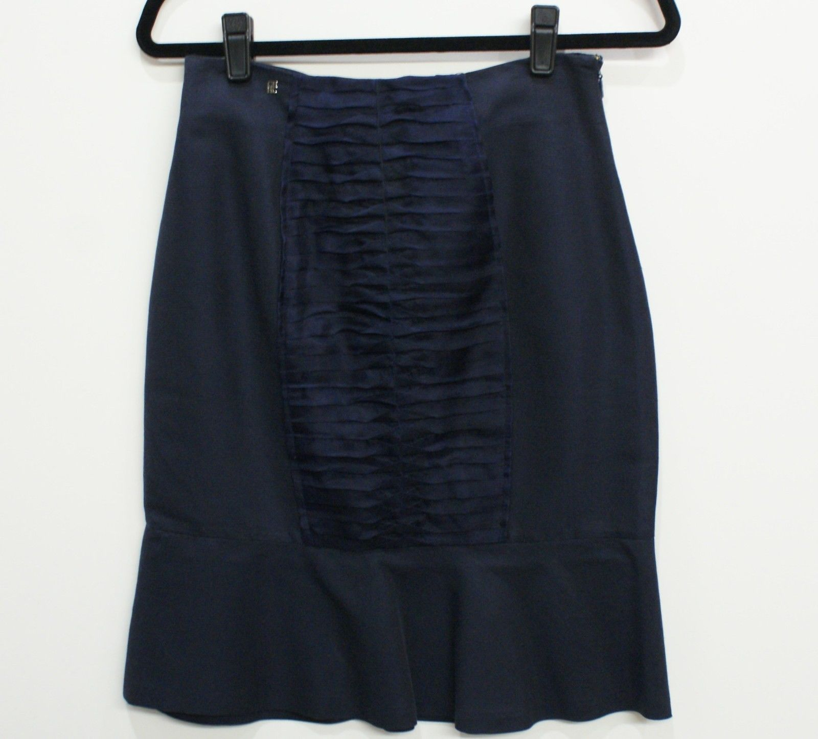 CH CAROLINA HERRERA Navy Skirt with Pleated Detail Sz 2 $400 - $103.26