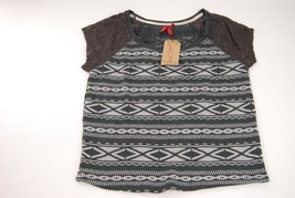 Red Camel Junior's Gray Aztec Lace Shoulders Short Sleeve Crop Top - Size S - $10.77