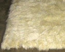 Soft white baby alpaca fur carpet from Peru, 80 x 60 cm/ 2'62 x 1'97 ft