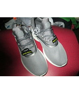 Boys C9 Champion Lightweight Traning Sneakers size 5W New in box - $13.50