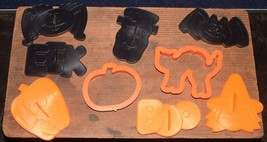 Lot Of 9 Vintage 1993 Plastic Wilton Halloween Themed Cookie Cutters - $7.78 CAD