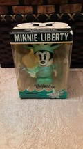 Disney MINNIE LIBERTY Minnie Mouse New York Vinylmation 3-D Light Up Collectible - $14.90
