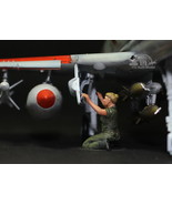 USAF Ground Crew Support in Airfield 1:48 Pro Built Model #2 - $7.43