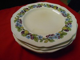 Magnificent China CROWN DUCAL Gainsborough England 3 DINNER PLATES - $15.51