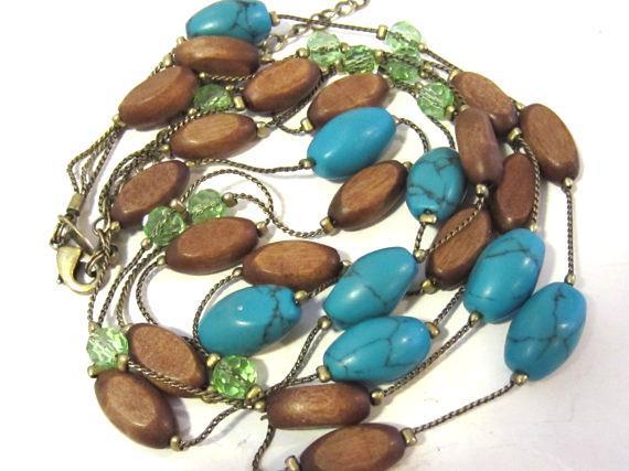 Beautiful necklace 3 strand signed Lia Shophia