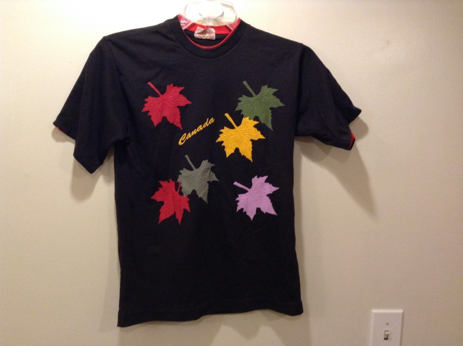 Impressions Canada Black Multicolor Maple Leaf Print T-Shirt Sz S/P