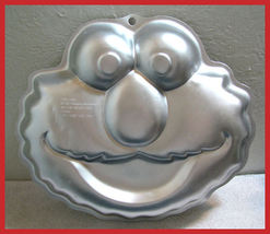 Wilton 2002 Elmo Cake Pan Sesame Street Monster - $9.99