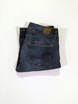 (009) American Eagle Jeans. Kick Boot. Size 8. Medium Wash. Super Stretch. - $15.00