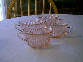 QUEEN MARY CUPS  SET OF4 - $14.00
