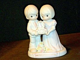 Precious Moments To Have and To Hold 163791 AA-191980 Collectible image 5