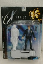 The X-Files Agent Fox Mulder & Corpse 1998 Action Figure by McFarlane Toys NIB - $25.98