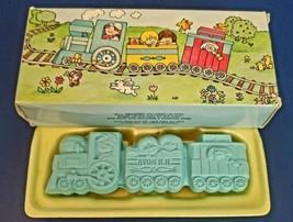 Avon All Aboard Train Snap Apart Soap Blue Vintage 1982 New In Open Box - $5.93