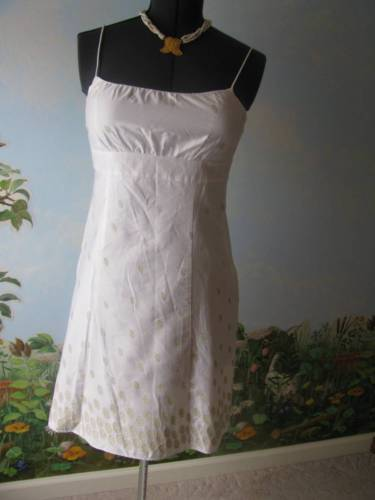 ANN TAYLOR LOFT White CottonDress Embellished with Gold Embroidery Size 10P