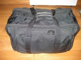 TUMI BALLISTIC NYLON LIGHTWEIGHT DUFFEL BAG, EXPANDABLE, 22X13X12 CARRY ON - $2.912,56 MXN