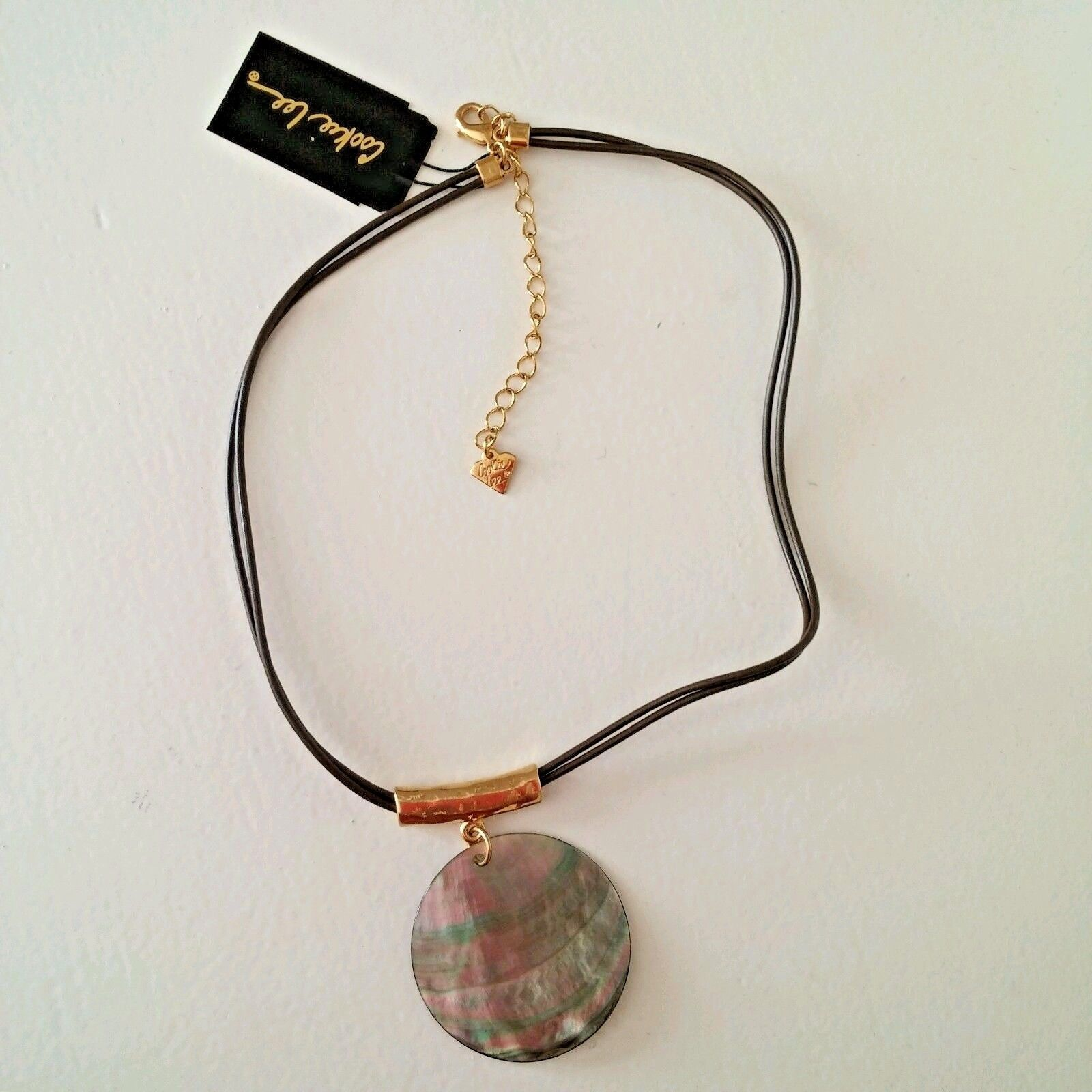 """Cookie Lee Genuine Shell Pendant Necklace Goldtone 18"""" NWT Plastic Double Cord  image 4"""