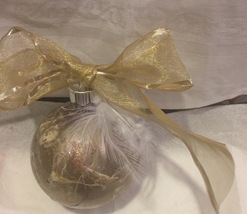 Gold and White Hand Marble Painted Christmas Ornament Whote Feather Gol... - $9.99