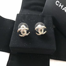 Authentic CHANEL CRESCENT MOON CC logo Gold tone & Crystal Stud Earrings RARE image 5