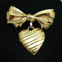 I LOVE YOU MOTHER Heart and Bow BROOCH Vintage PIN Goldtone AVON Valetin... - $12.99