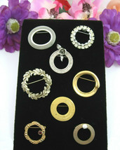 CIRCLE PIN LOT of 8 Vintage Brooches Silvertone Goldtone Rhinestones Mes... - $12.99