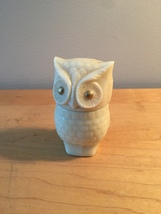 70s Avon Little White Owl with golden eyes cream sachet bottle (Field Flowers)