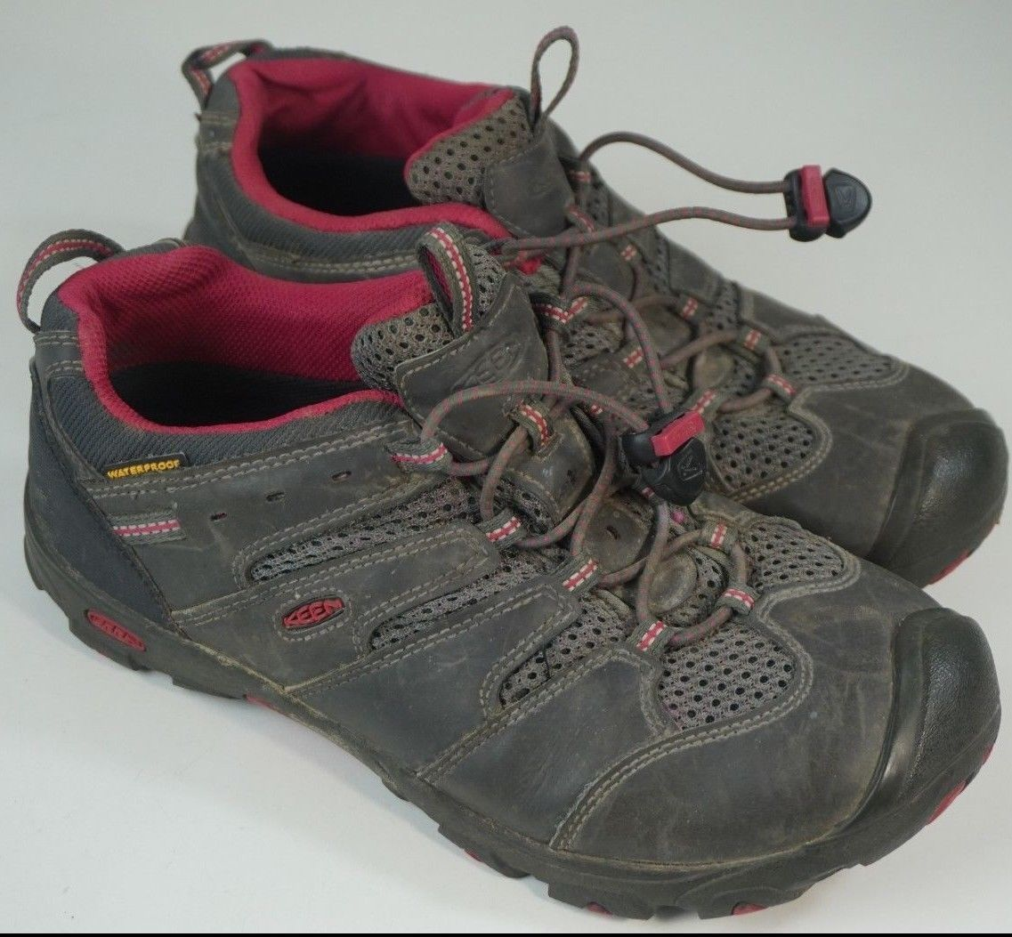 9d3ce32558f9 Women s SIZE 6 KEEN Waterproof Hiking Shoes and 50 similar items. 57