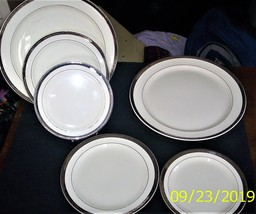 Vintage Taylor Smith & Taylor china pattern 4404 - $45.00