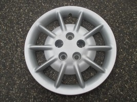 one genuine 1998 to 2001 Chrysler Concorde 16 inch bolt on hubcap wheel cover - $29.57
