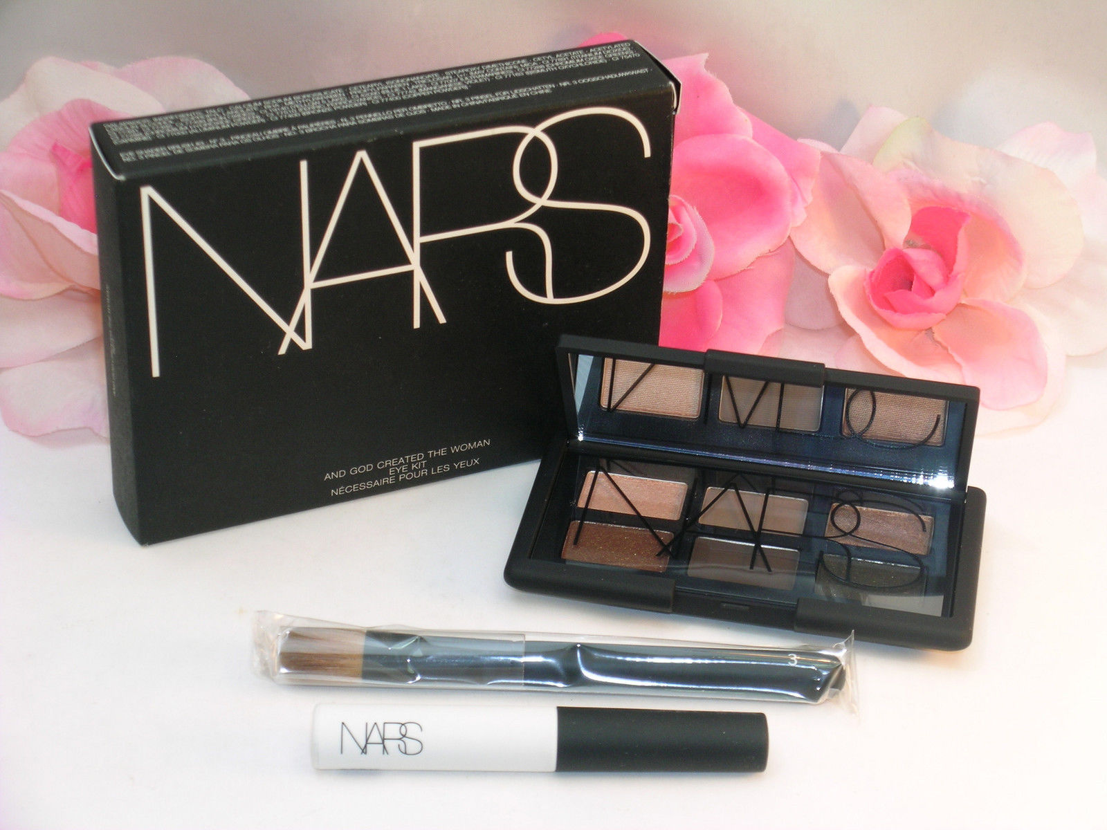 Primary image for New NARS Eye Shadow Kit # 9971 6 Shades Pro Prime & Brush And God Created Woman