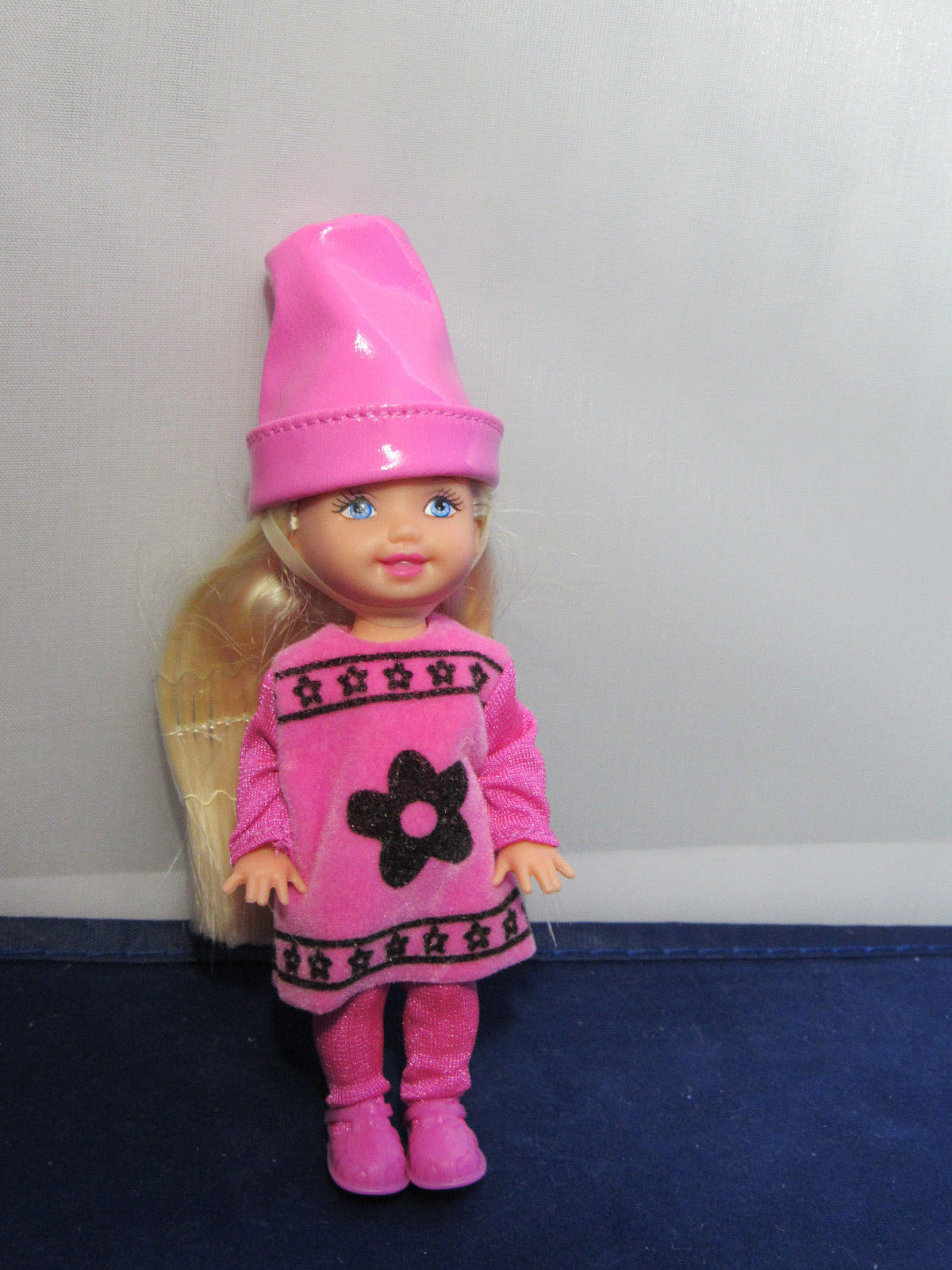Primary image for Crayola Crayon Color Kelly Doll Pink Collector Barbie Sister Walmart DEBOXED