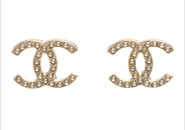 AUTHENTIC Chanel CC Pearl Stud Earrings Gold Classic New - $429.99