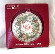 American Greetings To MOM with Love1993 Wreath Ceramic Christmas Ornamen... - $9.99