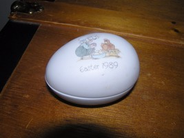Vintage Enesco Precious Moments Easter 1989 Porcelain Egg Trinket Box Container  - $5.89