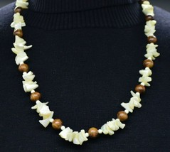 Mother of Pearl Shell Chip Wood Bead Beaded Choker Necklace Vintage - $24.74