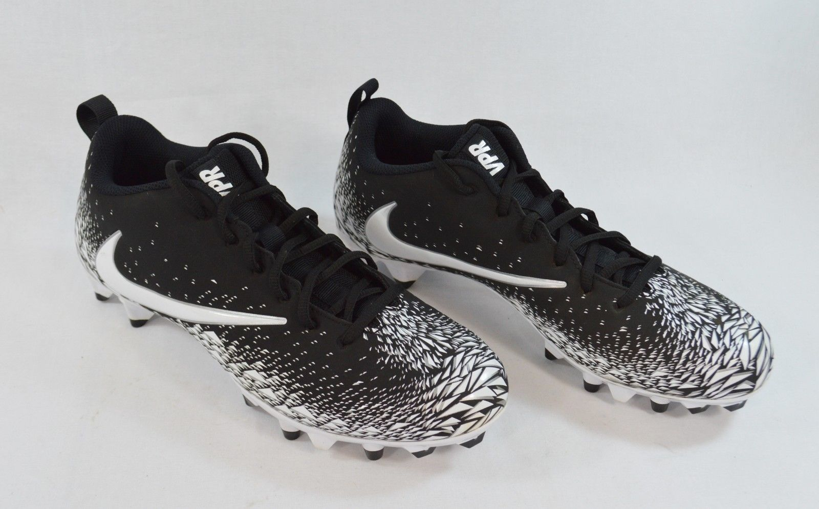 0859bef0690 Nike Vapor Varsity Low TD 880319-010 Black White Football Cleats Men s Size  11