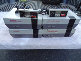 LOT OF 4 ORIGINAL NES NINTENDO CONSOLE NOT WORKING PARTS REPAIR LOT & CO... - $104.99