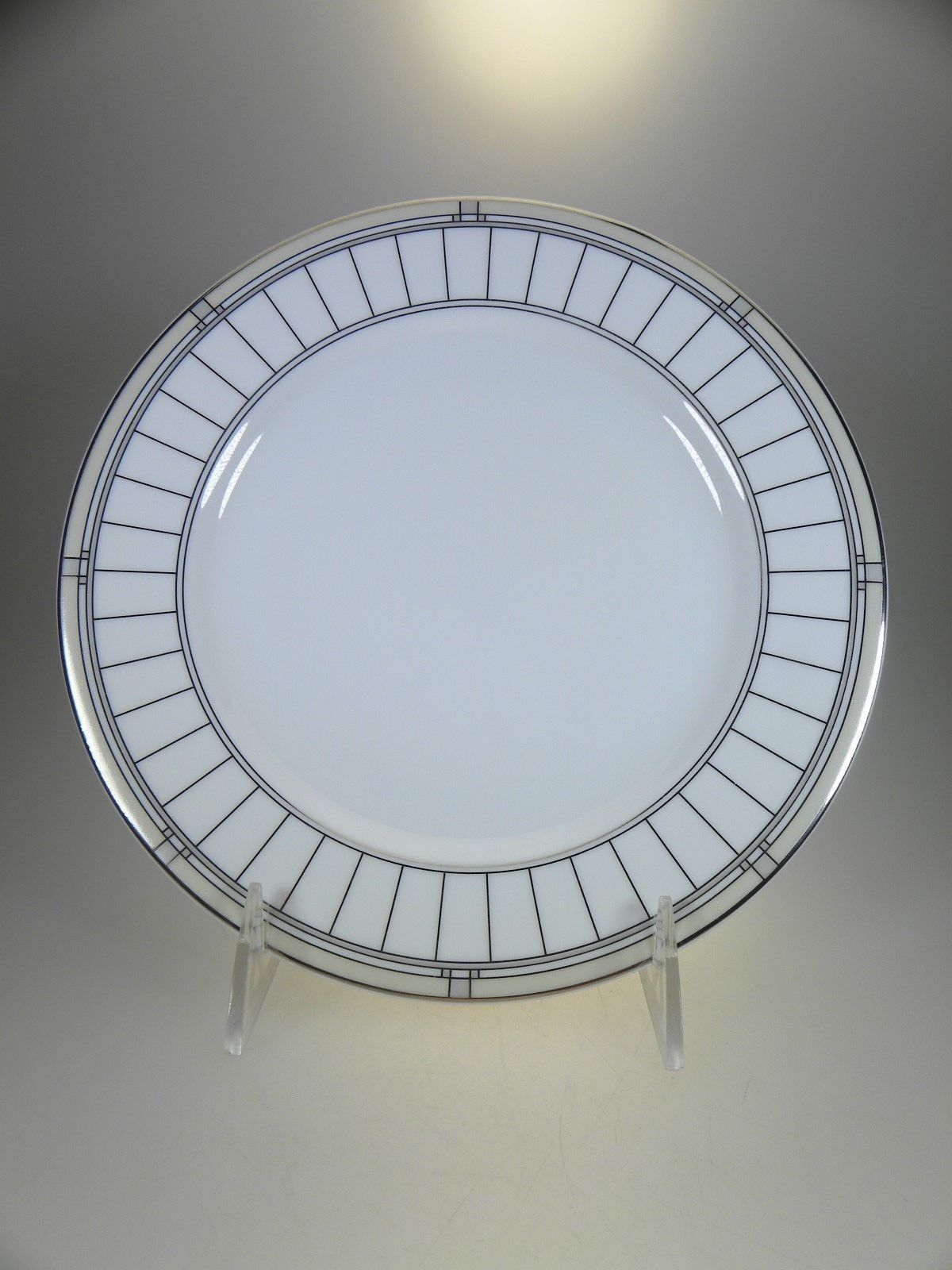 Royal Worcester Mondrian 5 Place Setting (Multiples Available) image 4