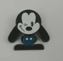 Disney Classic Oswald The Lucky Rabbit Winking Trading Pin - $7.69