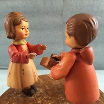 Anri Music Box Happy Birthday Reuge 18 note Boy bringing present to a girl - $69.30